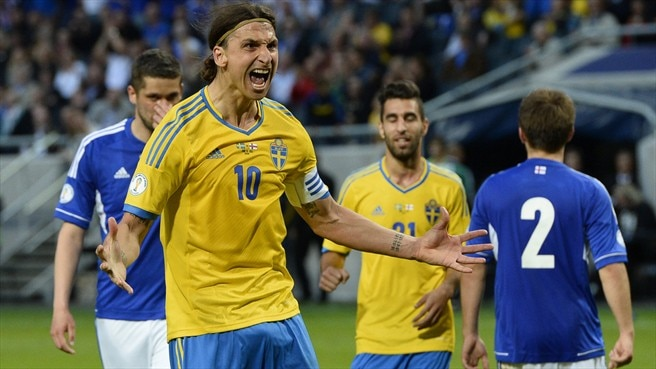 Ibrahimović double gets Sweden past Faroes
