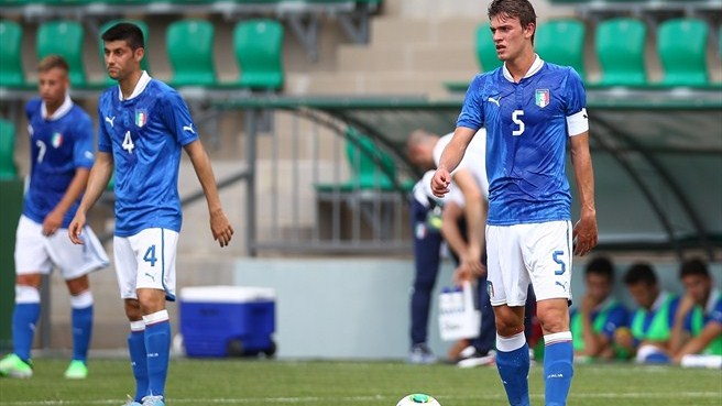 Italy wear Northern Ireland down