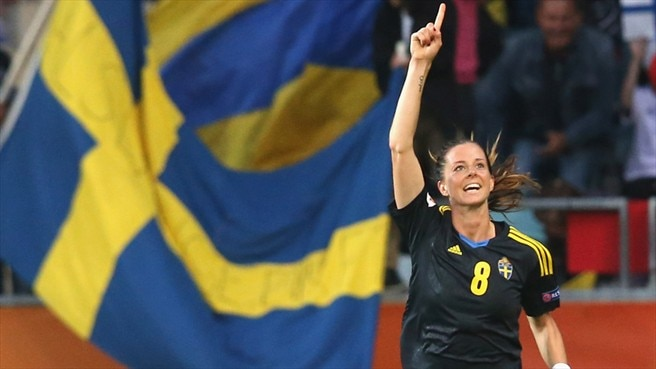 Sweden's Schelin steals ahead in Golden Boot race