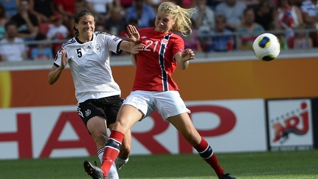 Annike Krahn (Germany) & Ada Hegerberg (Norway)