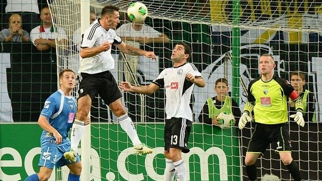 Legia ease past TNS to set up Molde tie