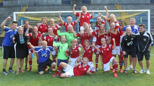 Denmark, Greece into second qualifying round