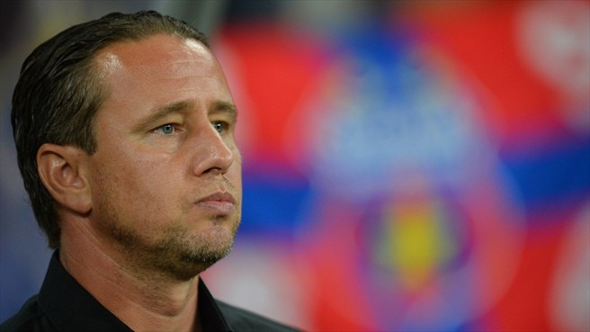 Reghecampf steps down as Steaua coach