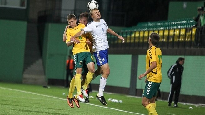 Finland go top after edging out Lithuania