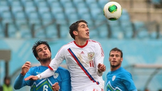Russia dismiss Bulgaria to go top