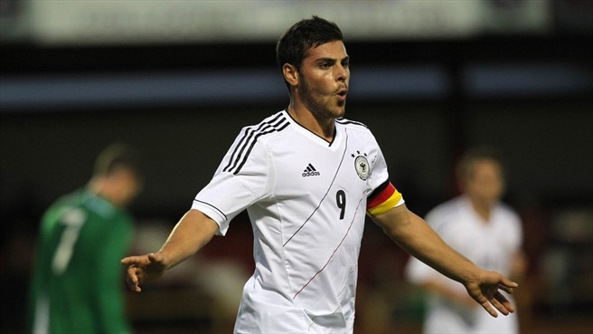 Volland double helps Germany punish Ireland