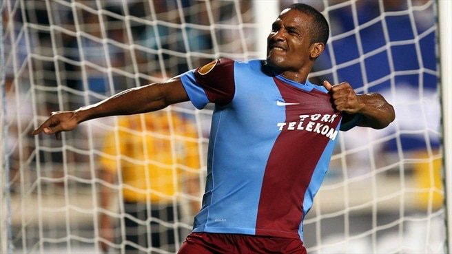Trabzonspor strike late to down Apollon
