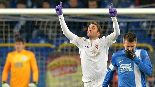 Ambrosini downs Dnipro as Viola take control