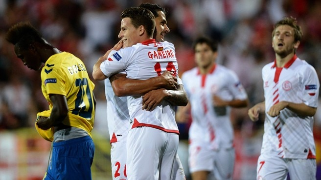 Sevilla move in for the kill against Estoril