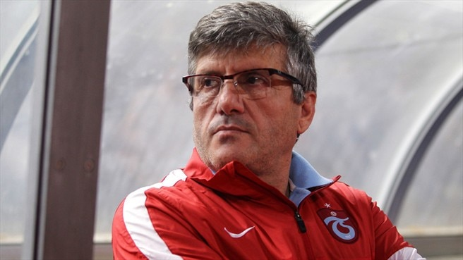 Akçay throws in the towel at Trabzonspor