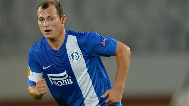 Zozulya sticks with Dnipro