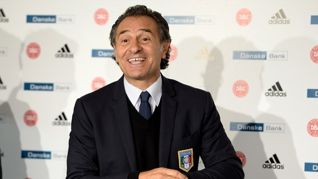 Prandelli puts pen to paper with Italy