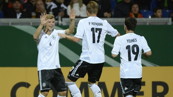 Germany go clear with Montenegro victory