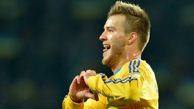 Yarmolenko keeps Ukraine in contention