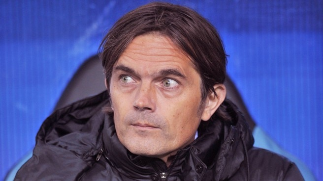 PSV coach Cocu's surgery successful