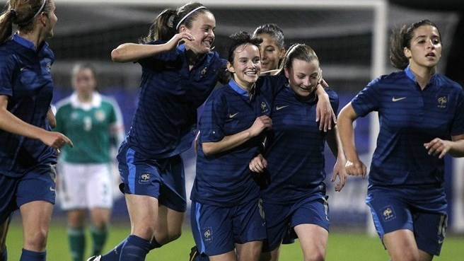 France through after third successive win