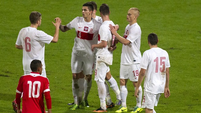 Milik treble delights Poland in Malta