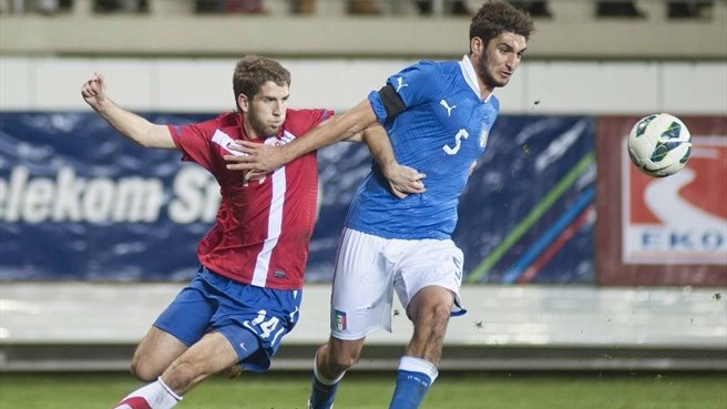 Serbia beat Italy to go second
