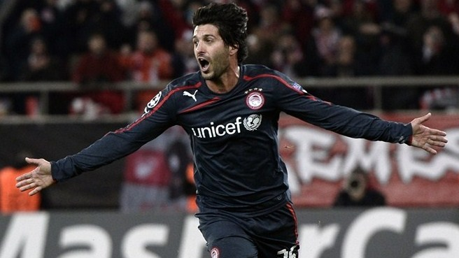 Triumphant Olympiacos make Míchel sweat
