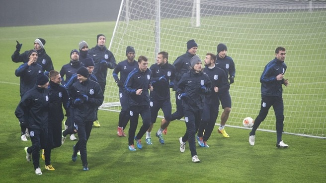FC Chornomorets Odesa players train