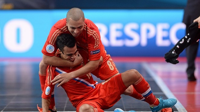 Russia in final as Spain reign ends