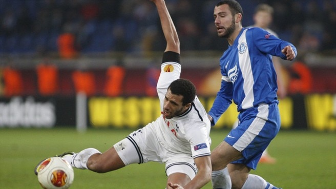 Étienne Capoue (Tottenham Hotspur FC) & Jaba Kankava (FC Dnipro Dnipropetrovsk)