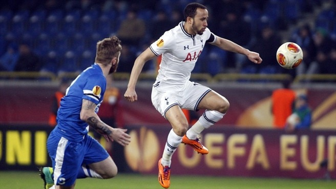 Ondřej Mazuch (FC Dnipro Dnipropetrovsk) & Andros Townsend (Tottenham Hotspur FC)