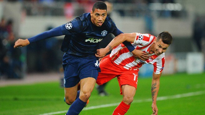 Chris Smalling (Manchester United FC) & Hernán Peréz (Olympiacos FC)