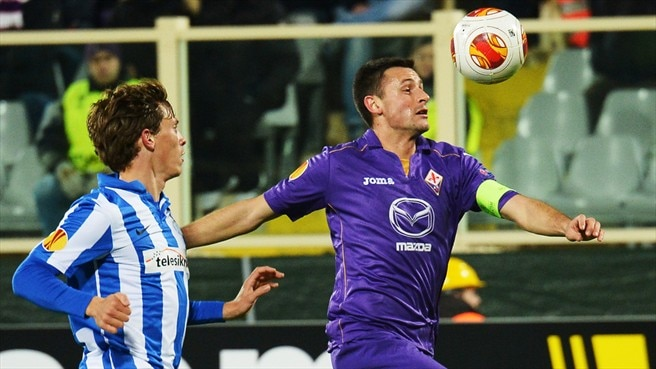 Fiorentina ease past Esbjerg and into last 16