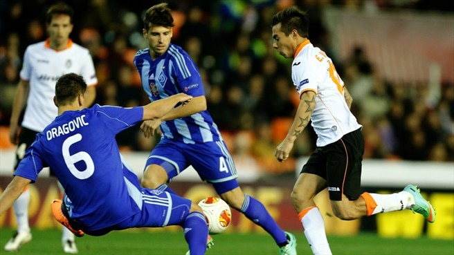Valencia dream of final date after Dynamo win