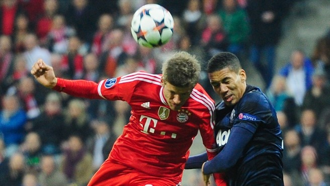 Thomas Müller (FC Bayern München) & Chris Smalling (Manchester United FC)