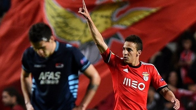Benfica's Salvio and Rodrigo finish AZ off