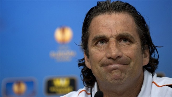 Valencia call time on coach Pizzi