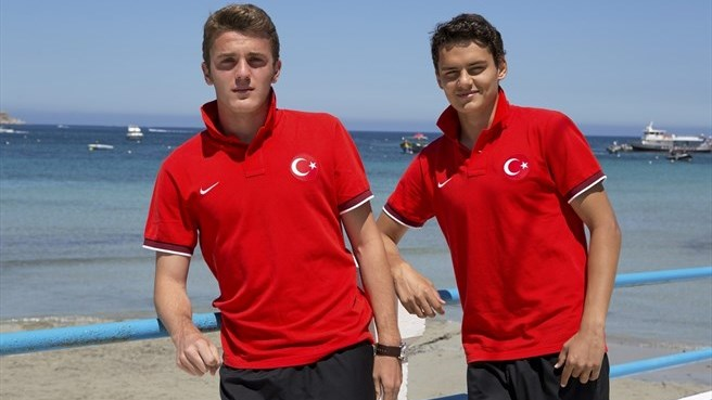 Turkey duo out to clip England's wings