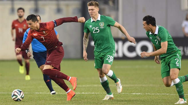 Ronaldo returns as Portugal overwhelm Ireland