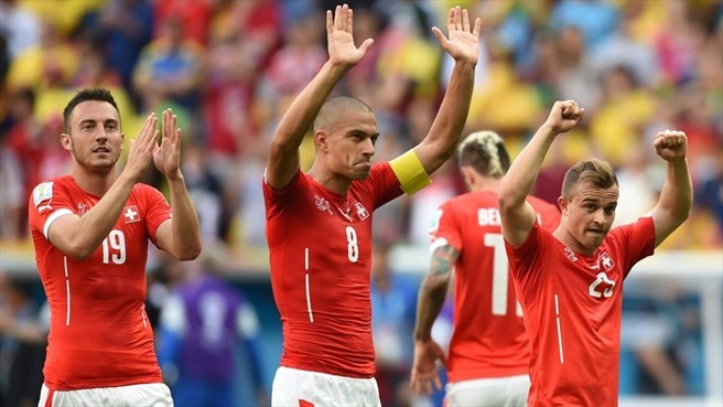 Switzerland leave it late to edge Ecuador