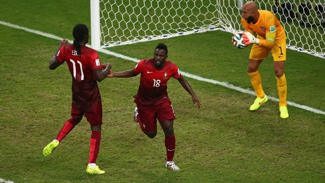 Varela header keeps Portugal alive against US