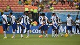 Honduras players warm up