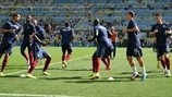 France players warm up
