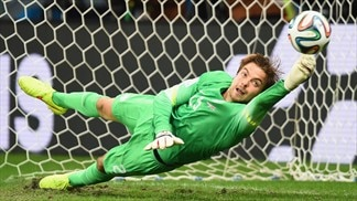 Krul delivers for Van Gaal as Netherlands progress