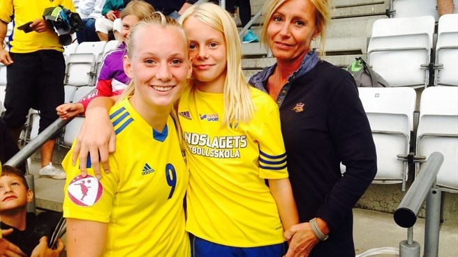 Sweden sink England with second-half show