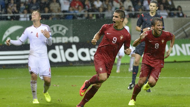 Five-goal André Silva and Selke set scoring pace