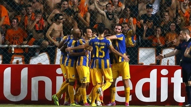 APOEL ease past AaB and into group stage
