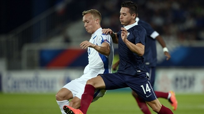 Iceland hold France to boost play-off hopes