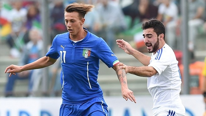 Seven-goal Italy surge into play-offs