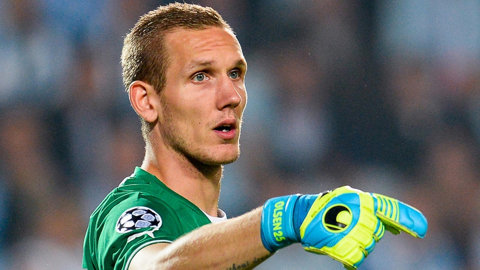 Hull to sign malmo keeper robin olsen for free for Robin olsen squadre attuali