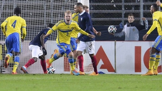 Sweden stun France with double turnaround