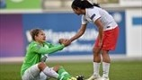 Shirley Cruz Traña (Paris Saint-Germain) & Babett Peter (VfL Wolfsburg)