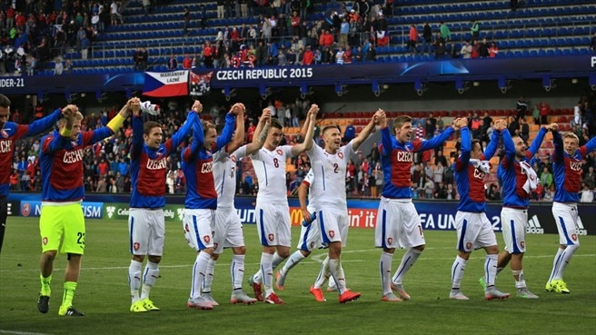 'All-or-nothing' win gives Czech Republic new hope