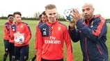 Henry's Arsenal youngsters take keepy uppy challenge